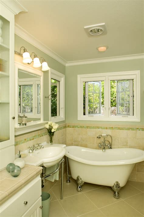 would light green paint be cold for master bath