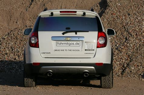 chevrolet captiva modified chevrolet captiva moonlander 8 car news