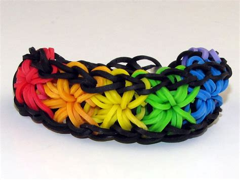 screen image of the starburst 2 bracelet rainbow