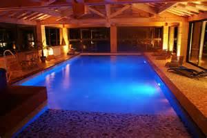 piscine de luxe interieur arts et voyages