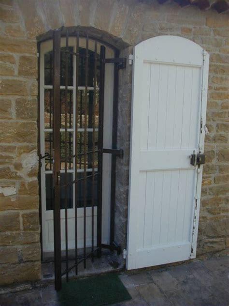 Changer Une Porte D Entrée 740 by Cuisine Grilles Fer Forge Lourdes De Securit 195 169 Nos R 195