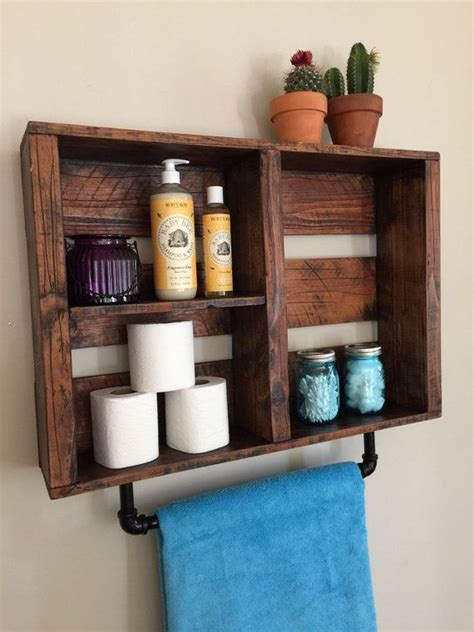 woodsy bathroom decor best 25 cottage chic ideas on pinterest cottage style