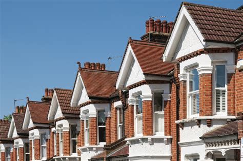 housing market uk housing market showing new trends