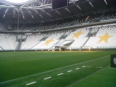 panchina juventus stadium le tribune viste dalla panchina picture of juventus