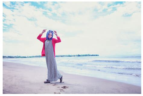 Foto Baju Pantai Muslim ke pantai