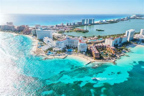 u s airlines are betting cancun s violence won t keep