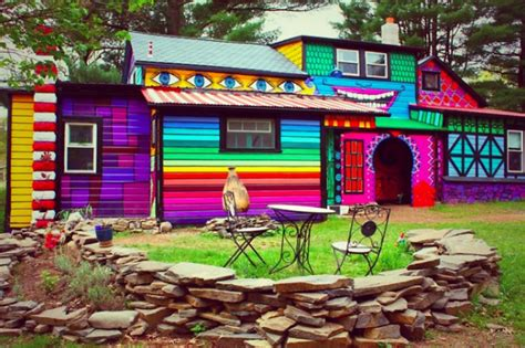 hausfassaden farbgestaltung hausfassade streichen bringen sie alle regenbogenfarben
