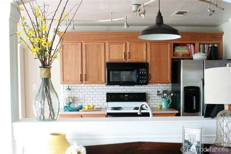 ideas for updating kitchen cabinets great ideas to update oak kitchen cabinets