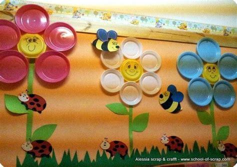 Paper Plates Piring Kertas Pesta Nc0311 con i piatti di plastica alberi e decorazioni per la