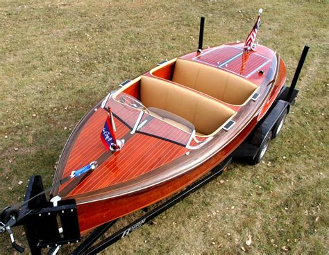 barrel back boat 1940 17 chris craft barrelback wooden boats pinterest