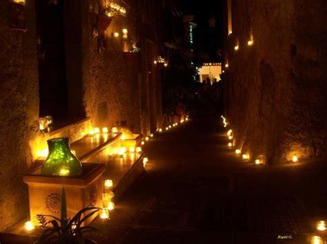 festa delle candele vallerano illumina la tuscia centomila candele per una