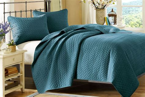 peacock coverlet peacock 3 piece king coverlet set