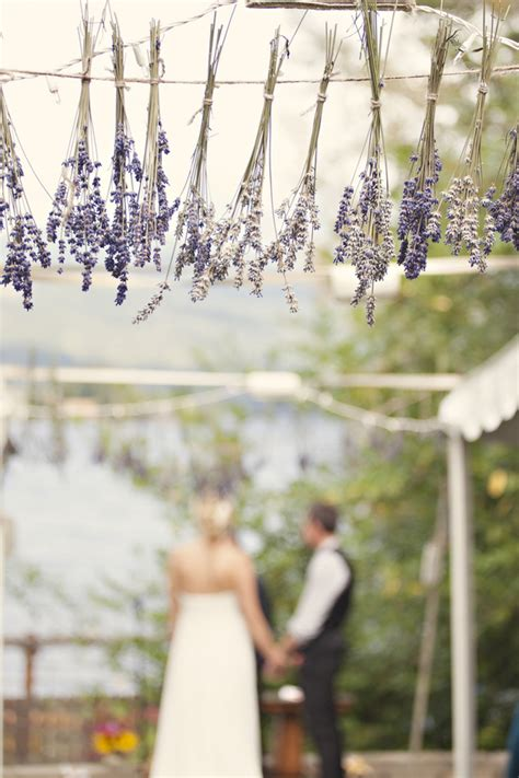 diy wedding ceremony decor diy chandeliers kisses cake