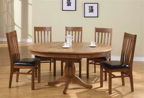 Chateau Oak Round to Oval Extending Dining Table & 4 or 6