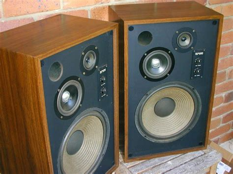nice speakers pioneer cs 711 100watt 3 way speakers pair nice