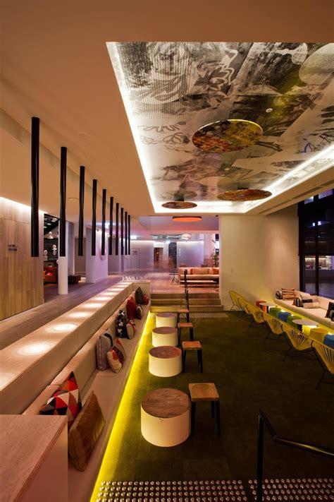 qt gold coast hotel australia designed  nicholas graham