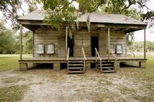 houses with in quarters slave cabins plantation louisiana slave quarters at