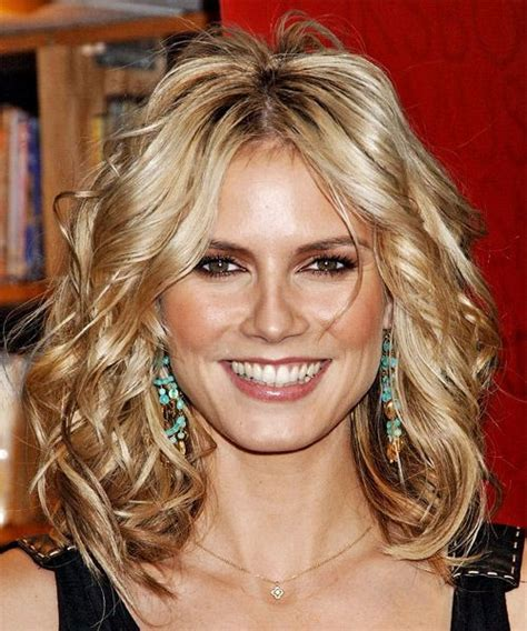 shoulder length blonde curly hair heidi klum medium wavy hairstyle party formal evening