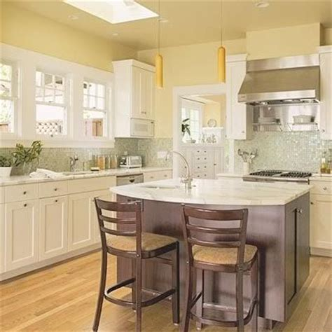 cream colored kitchens 1000 ideas about cream colored kitchens on pinterest