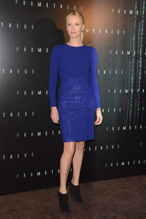 Whats Lipstick The Scoop On Charlize And Katharines Shades by Charlize Theron Photos Photos Prometheus