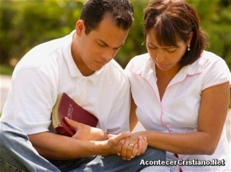imagenes gente orando estudio demuestra que la oraci 243 n cambia la actitud de las