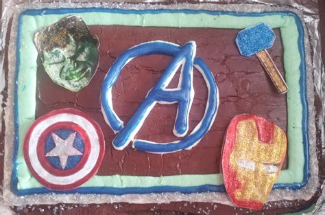 easy avengers birthday cake  carvel crunchie center burnt apple