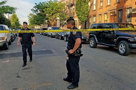 shooting bed stuy man killed in bed stuy shooting officials say bed stuy