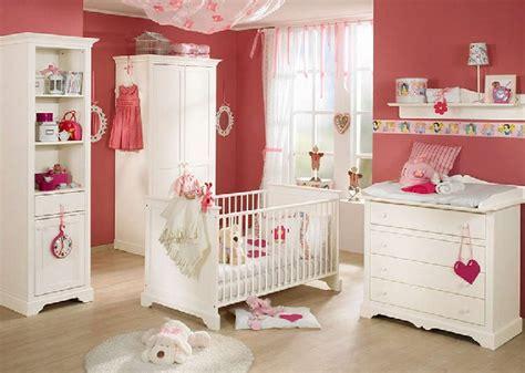 puset ekilli ve beyaz renkli bebek be ik modelleri on pinterest muhteşem beyaz renkli bebek beşik takımları modeli