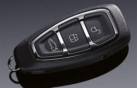 casa della batteria busto e provincia chiave con telecomando auto ford b max