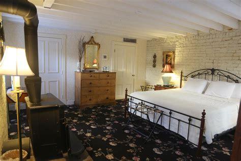 savannah bed and breakfasts savannah b b garden rooms foley house inn