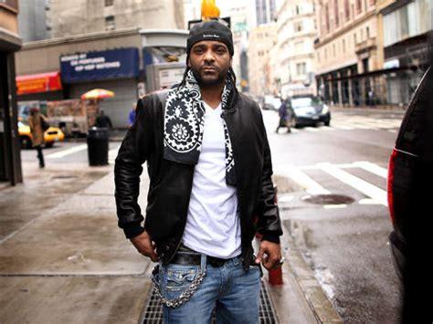 jim jones hotnewhiphop hotnewhiphop hip hops harlem rapper s new music video is a sign of the times