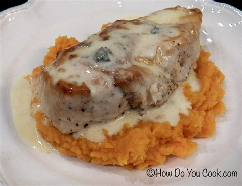 how do you cook com blue stilton stuffed chicken over sweet potatoes