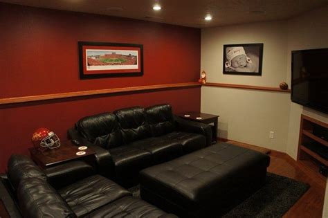 Creating the Perfect Mancave for you and Your Buddies   Decor Around The World