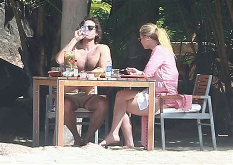 Gwyneth Paltrow and Brad Falchuk on holiday in Mexico