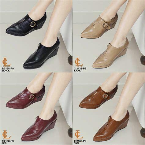 Sepatu Kerja Wanita Wedges Rj02 harga sepatu wedges wanita keren untuk jalan jalan jual sepatu wedges grosir tas branded