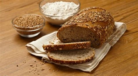 Jatuhnya Sang Imam kisah imam hambal dan pembuat roti muhamad yoesuf