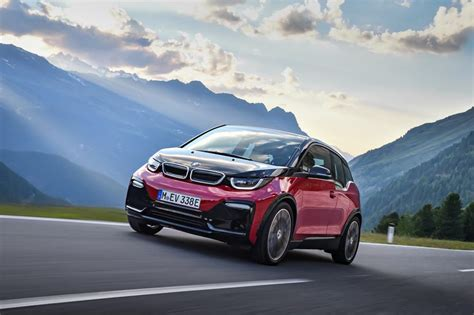 bmw aiming   plug  electric vehicle sales