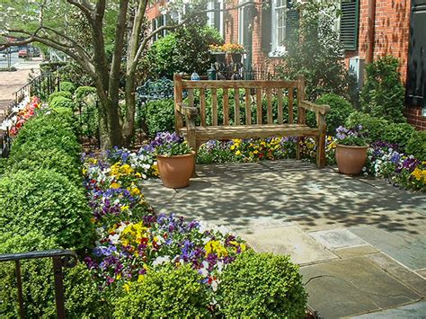 5 landscaping ideas to wow the neighbors 7 easy tweaks to create a neighbor friendly front yard