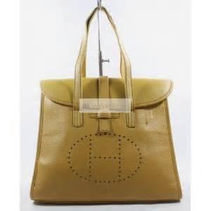 Tas Guess Warna Kuning tas tas hermes kulit sintetis warna kuning ut3863