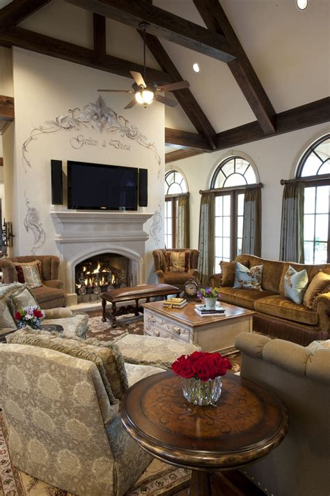 elegant traditional style family great room living