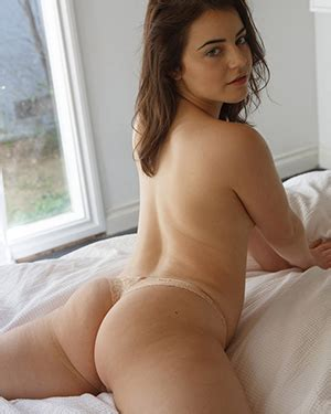 Zishy Free Nude Pictures And Videos At Bunny Lust