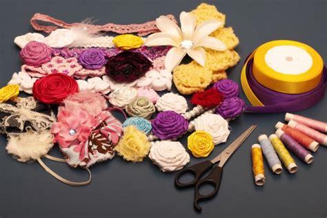 fiori di stoffa come realizzarli fiori di stoffa per capelli come realizzarli col fai da