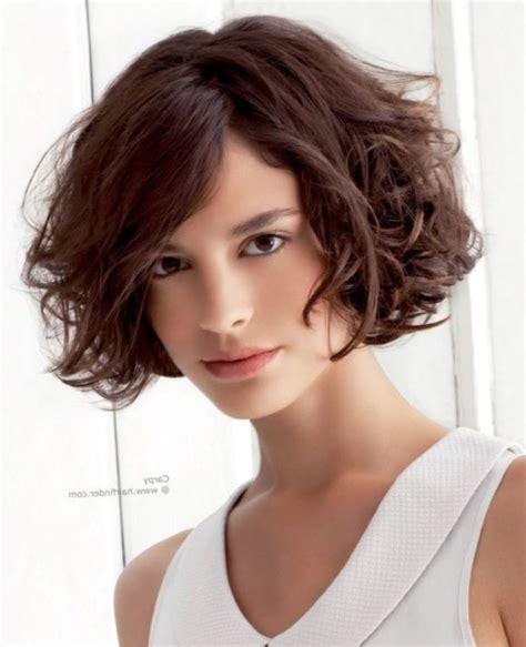 peinados con rulos pelo corto cortes y peinados para cabello rizado cortos largos y