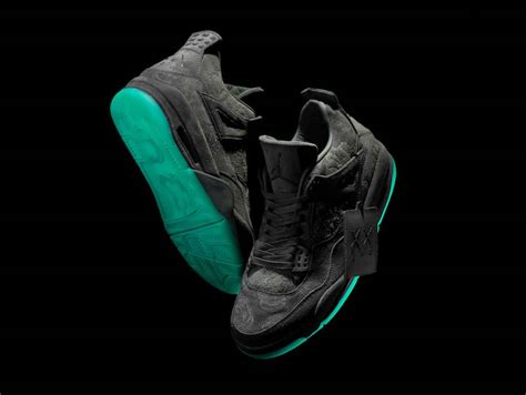 Sepatu Basket Air 4 X Kaws Gray release reminder kaws x air 4 kicksonfire