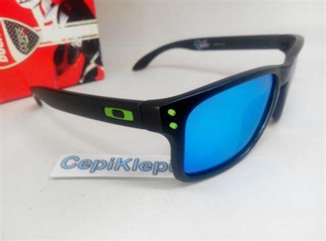 Kacamata Sunglass Okly Holbrook Hitam Merah Murah Bagus harga oakley holbrook original malaysia louisiana brigade