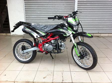 demak d force 160 sen mua introduces two new demak motorcycles borneopost