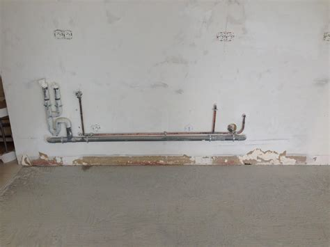 comment d饕oucher une canalisation de cuisine pose d une cuisine ik 233 a tuyauterie derri 232 re les caissons