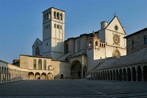 san francisco de asis italia file lightmatter basilica of stfrancis assisi jpg