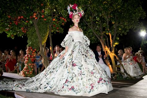 dolce and gabbano dolce gabbana alta moda fall 2015 couture review vogue