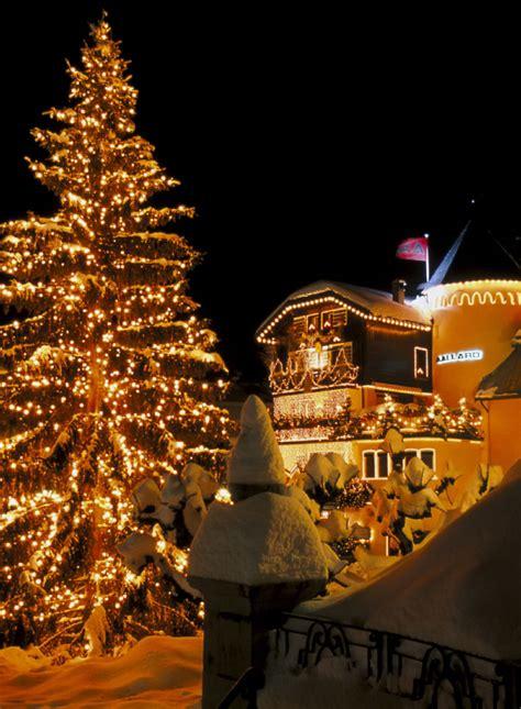 hell erleuchteter weihnachtsbaum frankreich info de